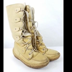 Chief Cherokee 'mukluk' boots size 8